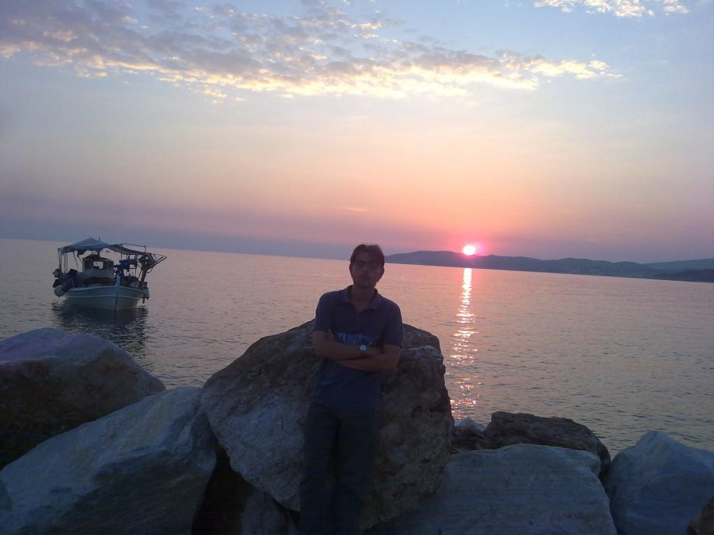 The sunset from Potos Harbour / Το Ηλιοβασίλεμα από το λιμάνι Ποτού.